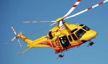 Scontro auto bici a Pizzale, muore automobilista 79enne