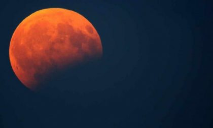 Eclissi di Luna in arrivo, tutti col naso all'insù