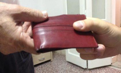 Novi Ligure: strappa dalle mani un portafogli ad una donna. Denunciato.