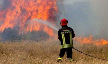 Due incendi: superlavoro per i Vigili del Fuoco