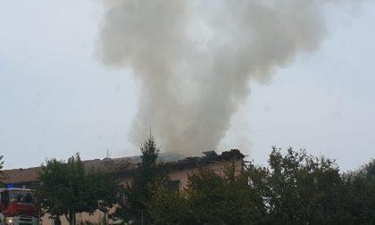Fuga di gas, esplosione in cascina. Due feriti gravi