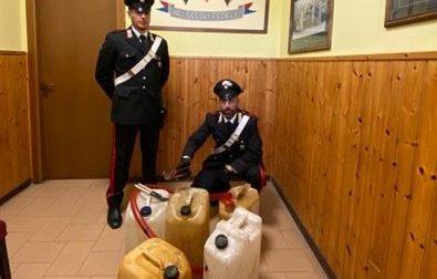 Ruba gasolio ma non sfugge ai carabinieri