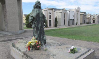 Donna aggredita e derubata al cimitero di Casale Monferrato