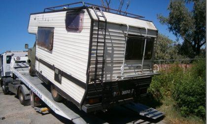 Rimossi i caravan dietro l'ex salumificio Carlotti, punto di incontro per attività illecite