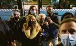 Il presidente del Consiglio comunale di Alessandria organizza un brindisi sul bus contro il Dpcm