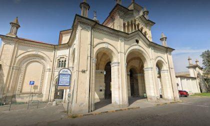 Emergenza Covid e tanti funerali: cimitero chiuso da lunedì a venerdì