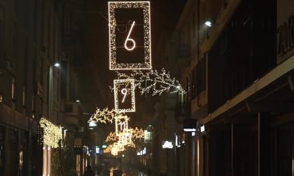 """""""Alessandria si Illumina 2020"""", il percorso di luce a sostegno delle attività economiche cittadine"""