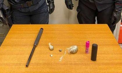 I genitori esasperati fanno arrestare chi vendeva droga ai loro figli: sorpresa, anche i pusher…