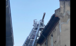 Valenza, chiusa via Cavour dopo le operazioni di rimozione di un camino pericolante