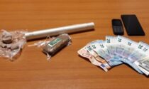 Spacciava eroina e hashish al cimitero di Castelnuovo Scrivia, arrestato 29enne dopo una fuga in auto