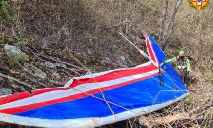 A 83 anni in deltaplano: precipita subito dopo il decollo, morto