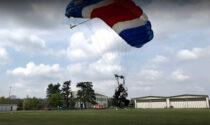 Scontro tra due paracadutisti a pochi metri dall'atterraggio: gravissimi