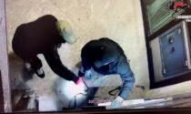 Assalti a Bancomat, uffici postali e stazioni di servizio: 80 episodi contestati, arrestato 42enne