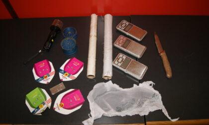 "In casa nascondeva una serra ""fai da te"" di marijuana: arrestato spacciatore 23enne"