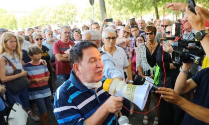Primario malattie infettive partecipa alla manifestazione No Green Pass ad Alessandria