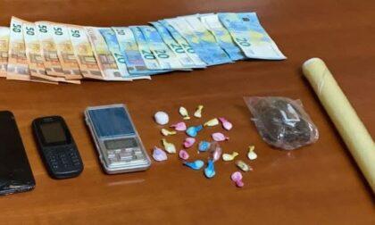 Tortona, spacciatore fermato ad un distributore di benzina con 21 dosi di cocaina